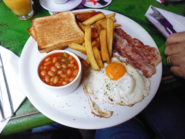 english breakfast la grotte